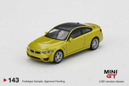 1/64 BMW M4 (F82) AUSTIN YELLOW METALLIC (LHD)