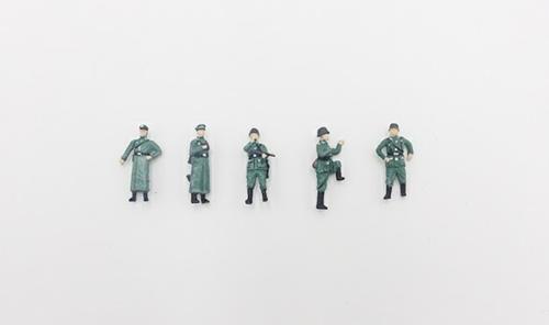 1/72 KARL GERAT GERMAN SOLDIER WWII (B)