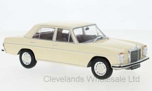 1/24 MERCEDES 200 D (W115) BEIGE 1968